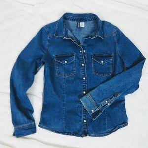 H&M Divided Jean button down shirt